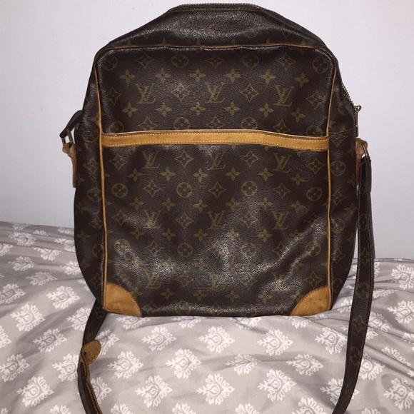 bc0489f079 Louis Vuitton Handbags - 🎀LOUIS VUITTON LARGE CROSSBODY 🎀